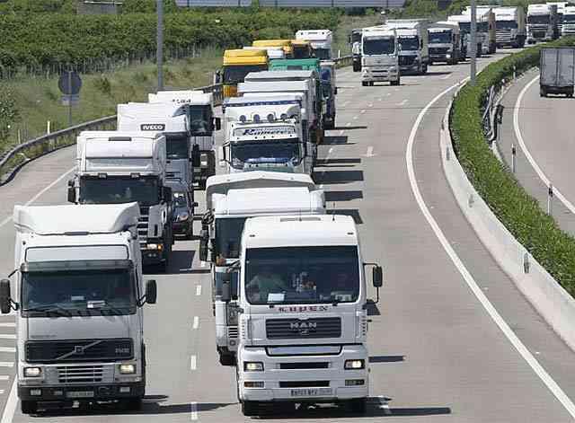 atasco carretera trafico