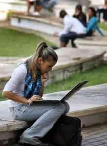 La UNED te permite compatibilizar los estudios con el trabajo