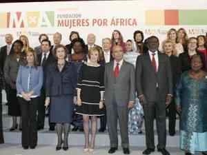 """Empresas apoyan el proyecto """"Mujeres por África"""""""