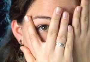 ¿Cómo influye la timidez en la búsqueda de empleo?