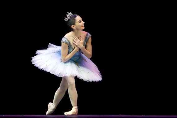 espana ballet homenaje tamara rojo actua en el homenaje a alicia alonso en sevilla 020x381 L