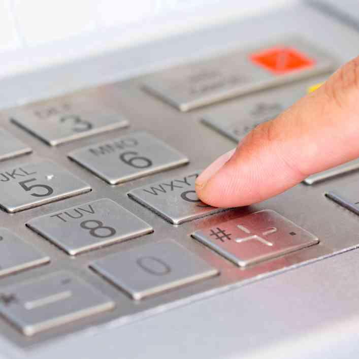 ¿Cómo usamos las tarjetas y cajeros automáticos