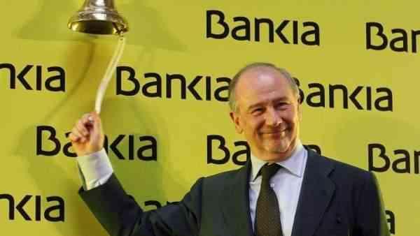 Cese y dimisión por el escándalo de las tarjetas de Caja Madrid y Bankia
