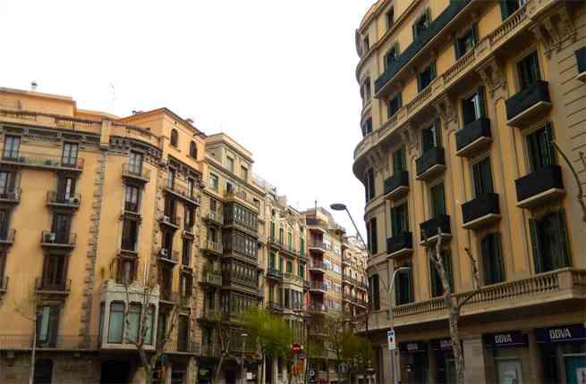 http://www.pisos.com/noticias/reportajes/la-renta-de-alquiler-de-las-habitaciones-en-pisos-compartidos-cae-un-1435-frente-al-ano-pasado/