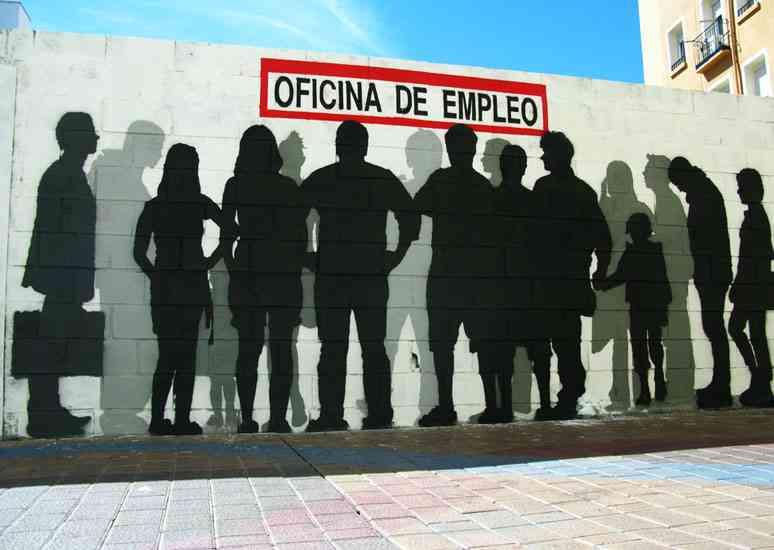 Uno de cada tres españoles gana 645 euros