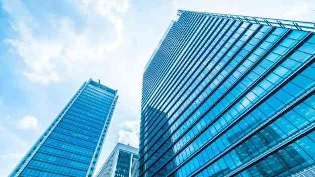 el precio de locales edificios y hoteles cae un 20 a medio plazo